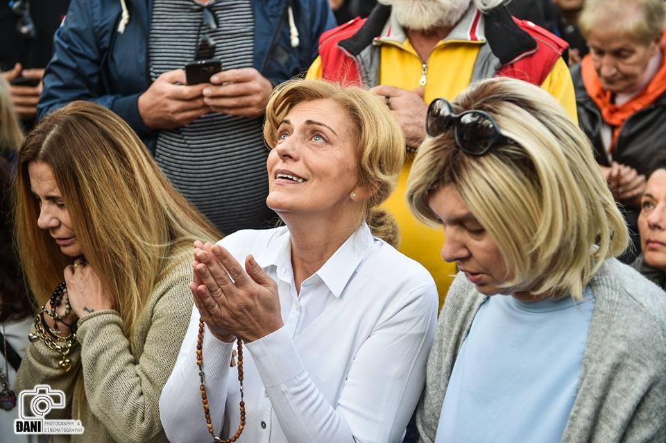 MENSAGEM DA RAINHA DA PAZ, DE 02 DE OUTUBRO DE 2017, DADA POR MEIO DA VIDENTE MIRIANA